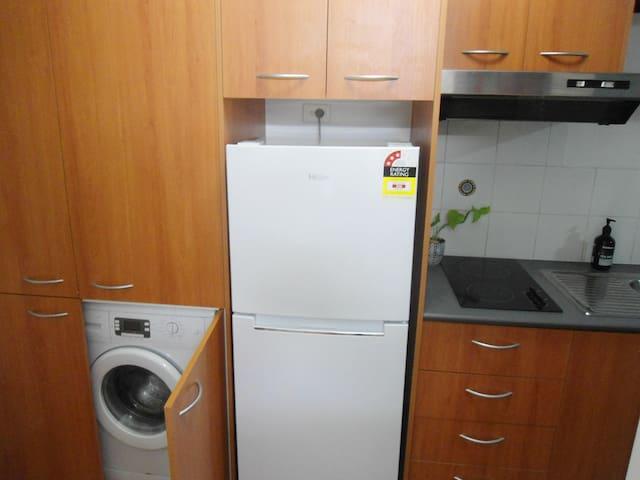 New big fridge, ceramic cooktop, microwave, washing machine