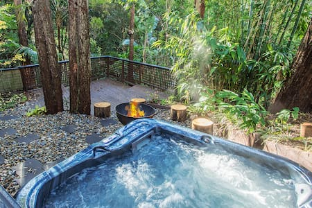 Karen's Place - Rainforest Retreat