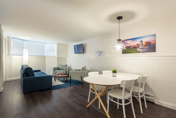 Downtown HFX Suite Walking Distance to Everything