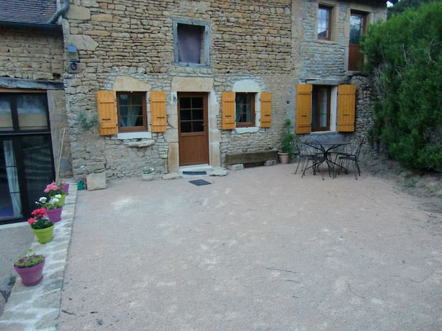 Gite calme sud Bourgogne - Dyo