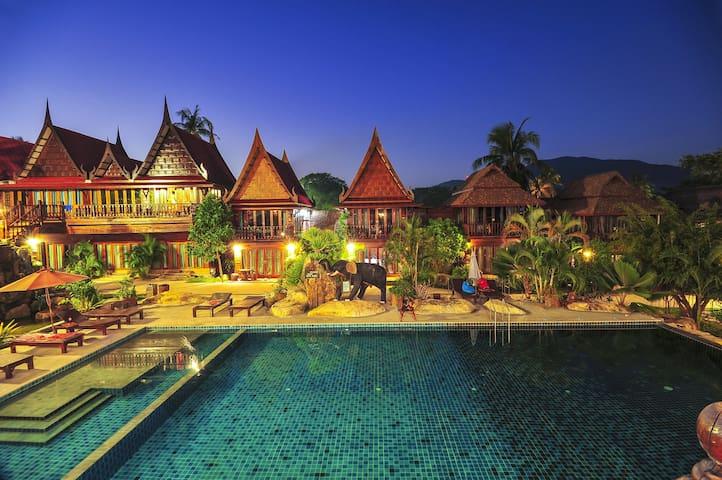 Deluxe Thai Pool View