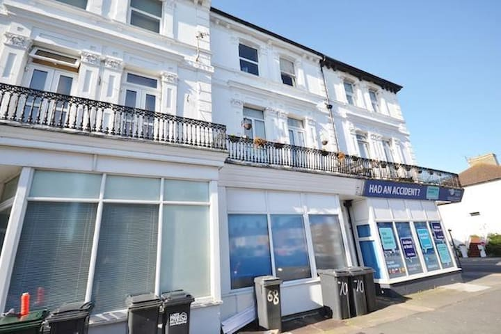 Cavendish Studios Eastbourne Lovely Holiday Flat - Eastbourne - Pis