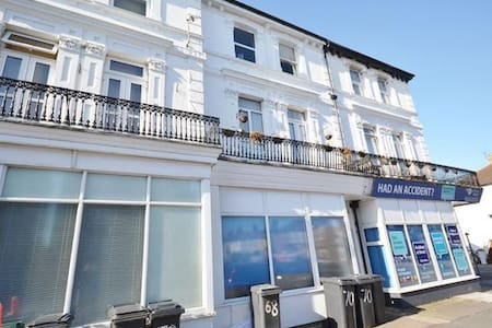 Cavendish Studios. Eastbourne Holiday Flat to rent - Eastbourne - Apartment