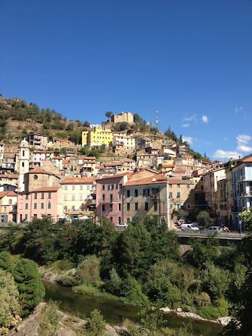 La casa in piazza - Badalucco - Apartamento