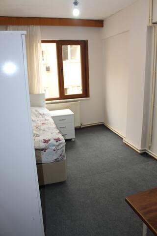 Room for rent @Sisli, be my guest! - Şişli - Wohnung