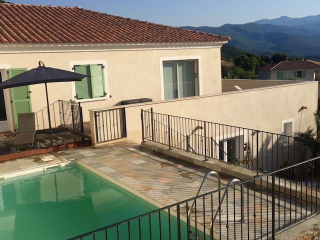 Modern villa on heights Saint Florent - Saint-Florent - บ้าน