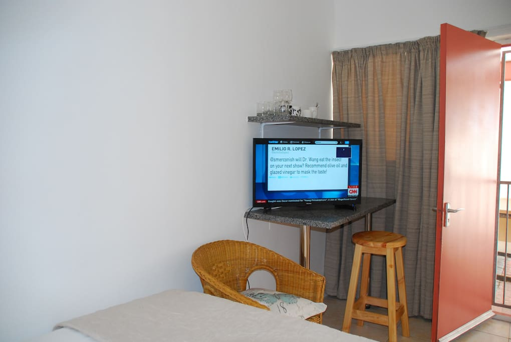 TV with basic chanels and shared DSTV