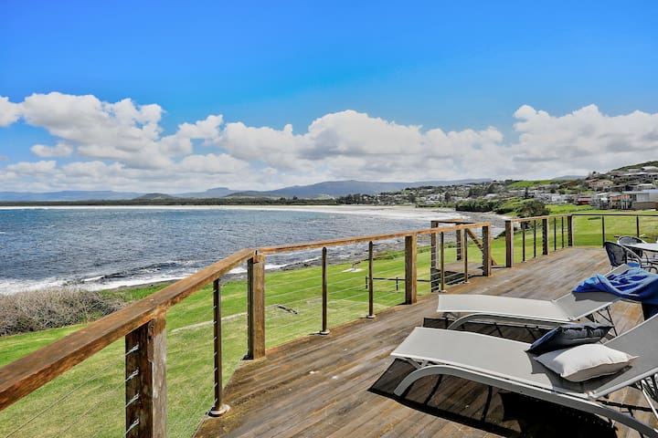 The Waterfront – modest with million dollar views - Gerroa - Hus