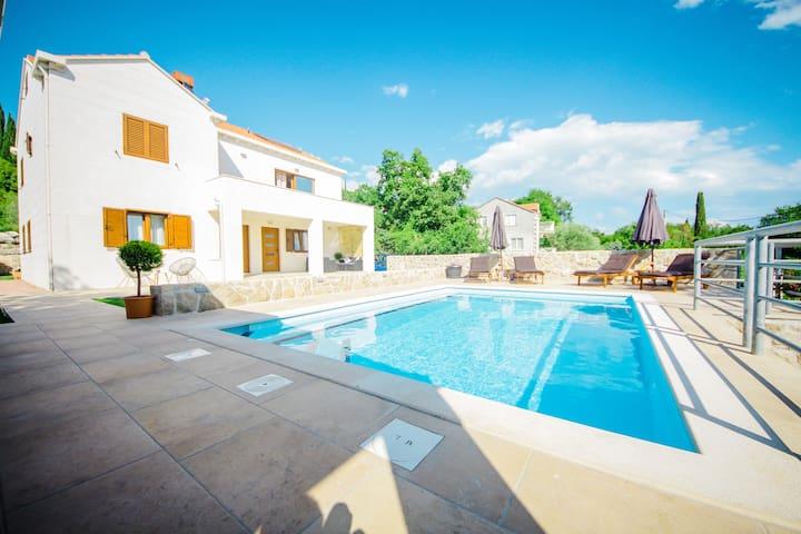 Villa Novak
