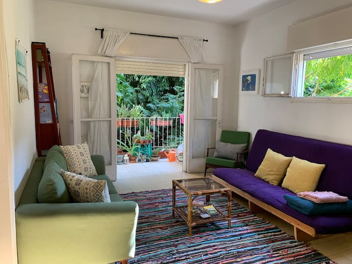 Quiet TLV Apartment with Free Parking