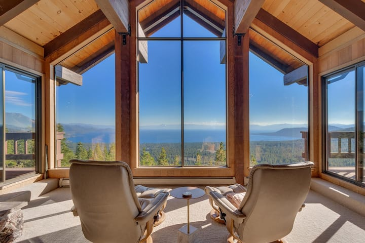 Spectacular Lake Views | Massive Decks | Sleeps 6