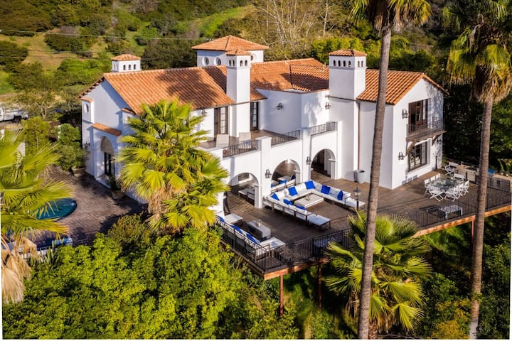 Spanish Villa Beverly Hills 4 BD with sunset View