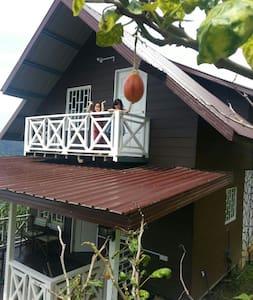 Rania Lovely Hut, Kundasang - Kundasang - Chalé