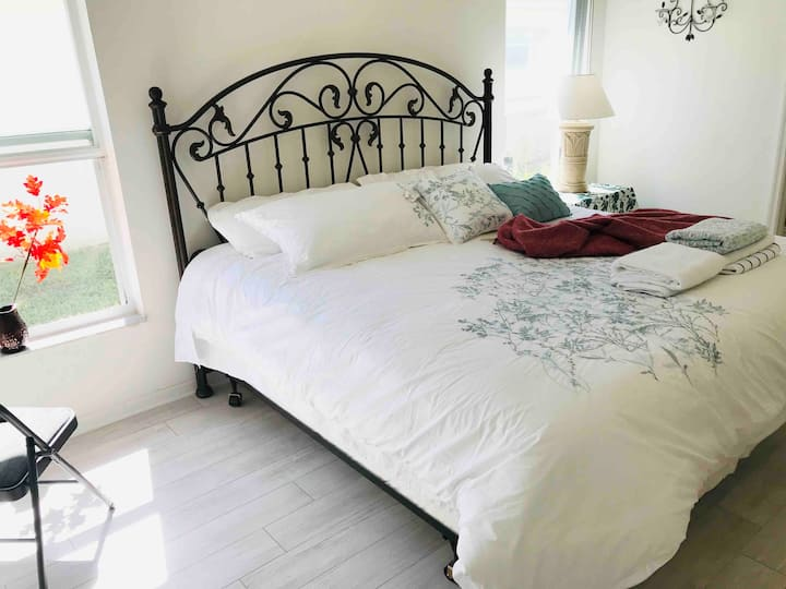 NearDisney/LuxurySuite/pvt bath&pool entry/Villa