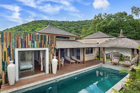 Komaneka Villas One bedroom private pool - Black River