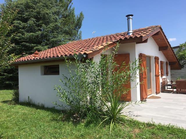 Independent Garden Studio in Léon centre