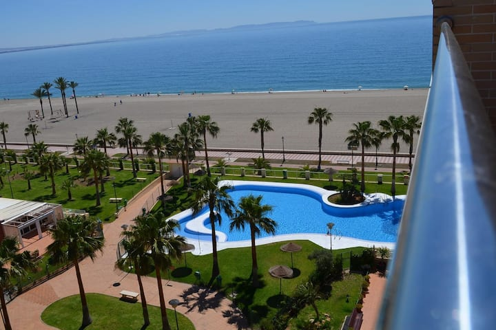 views to see&pool-WIFI-parking