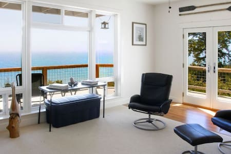 Clarks Cove Timber Cove Jenner - Jenner - House