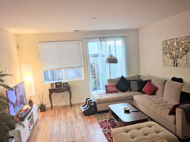 Beautiful 2 Bed/2Bath in Sacramento - West Sacramento - Apartamento