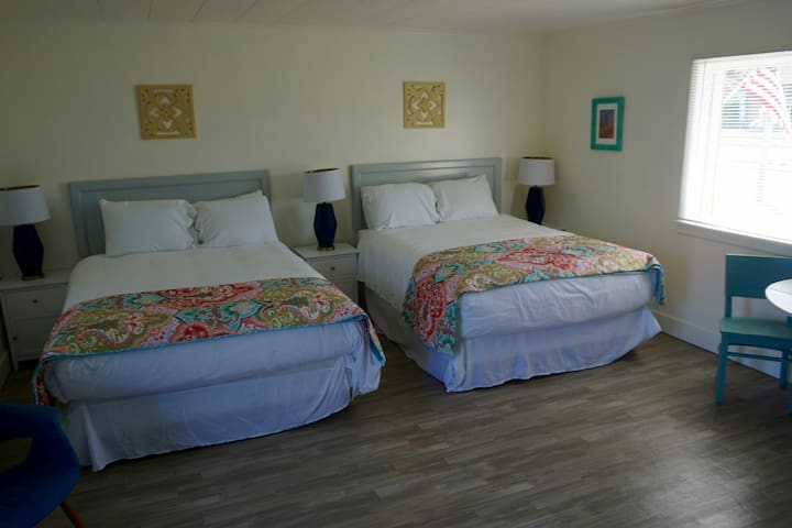 Unit #24, Studio, Two Queen Beds, Lakeside, Ludington Beach House