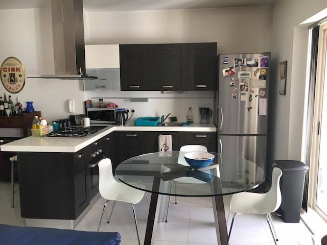 Modern 2 Bedroom Apartment - Pieta - Apartament