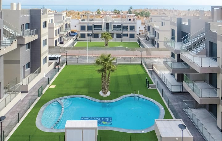 Holiday apartment with 2 bedrooms on 72m² in Torrevieja