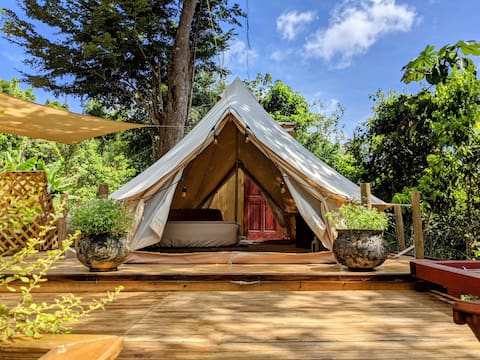 Luxury Glamping for Two with Hot Tub and BBQ