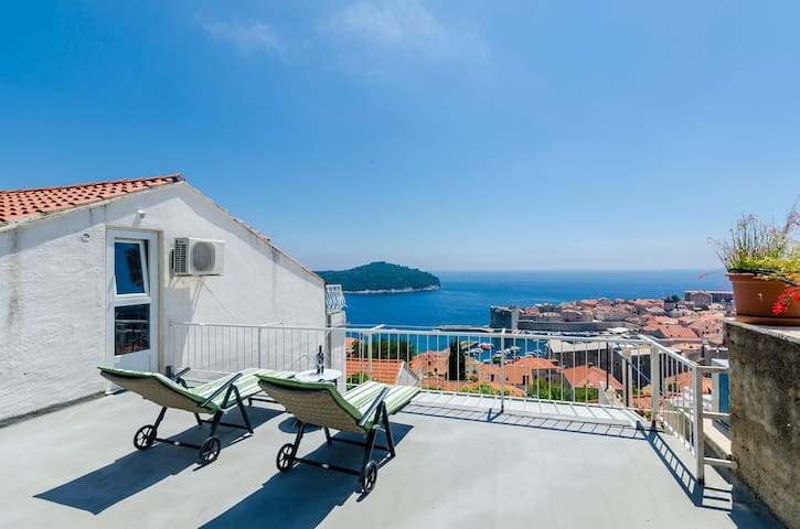 Apartment Lukas Dubrovnik - One Bedroom Apartment with Terrace and Sea View
