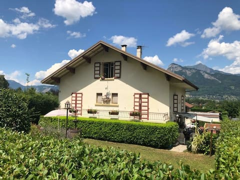 2 Soveværelse villa med terrasse og privat have