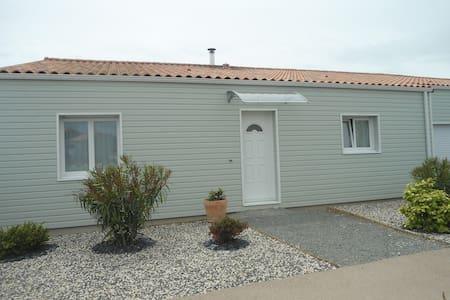 maison familliale dans lotissement calme - Bretignolles-sur-Mer - Hus