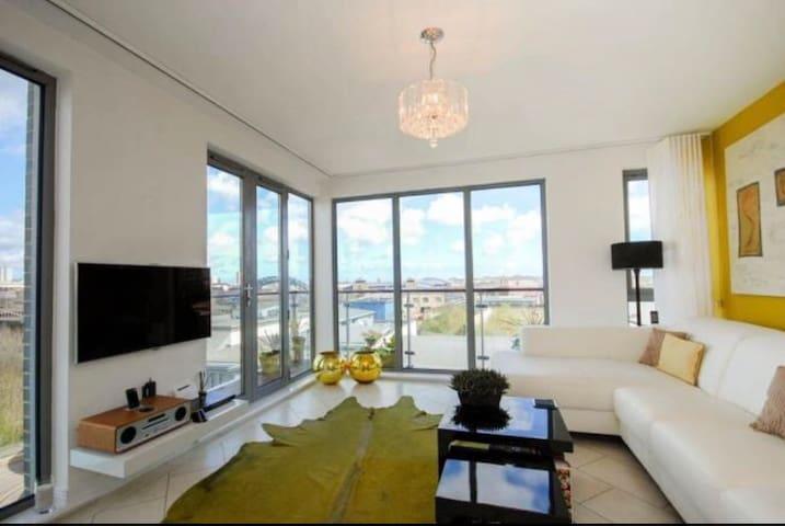 Stunning Quayside Penthouse Apartment.
