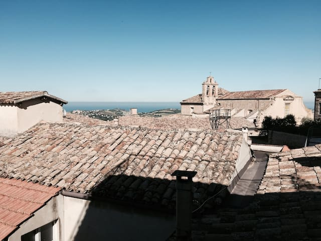 Charming house with a stunning view - Fermo - Casa