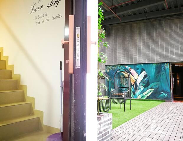 电梯公寓小复式 步行827米到达高铁桂林站+提供优惠千古情/印象刘三姐门票+邻近南溪山公园