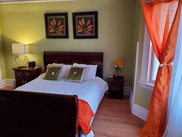 L'AUTOMNE ROOM 10 MINS TO NEWARK AIRPORT CLOSE NYC