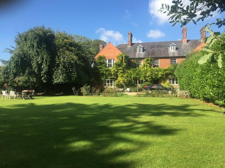 Syresham House near Silverstone and Oxford -List 4