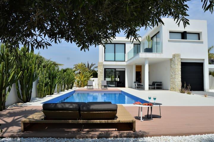 Villa with private pool in San Fulgencio