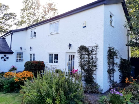 Rural Cosy Cottage Angelsey Sleeps 6
