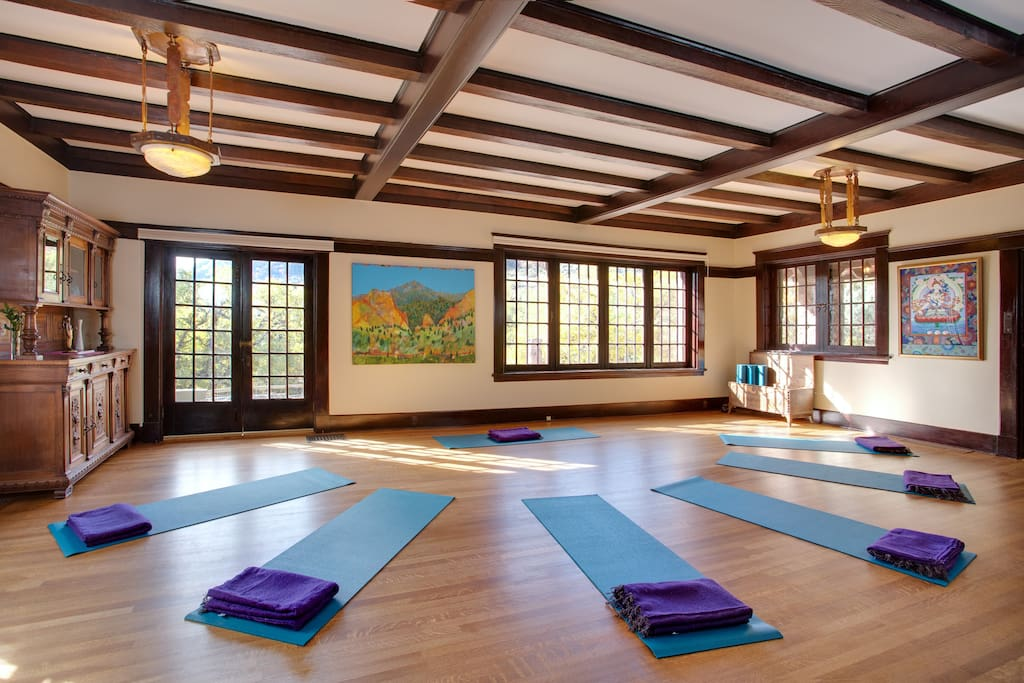 Onaledge House Yoga Room and Gathering Space