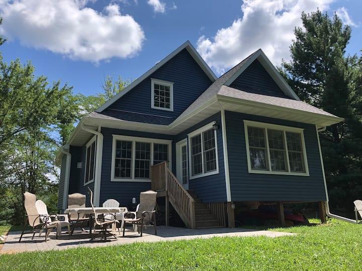 Modern Cottage on the Mississippi River