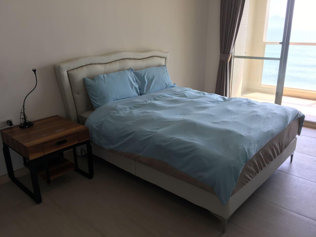 #2 雙人房 (標準雙人床) #2 Bedroom with standard double bed