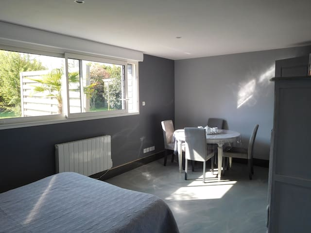 Bright studio close to BAYEUX