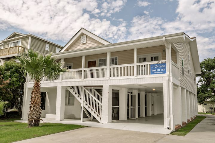 Free Golf Cart Large Garden City House and a Private 1 Bed Apartment - Murrells Inlet - Rumah