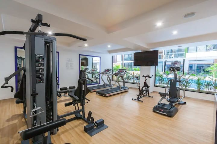 New studio in downtown Playa | Steps from 5th Ave
