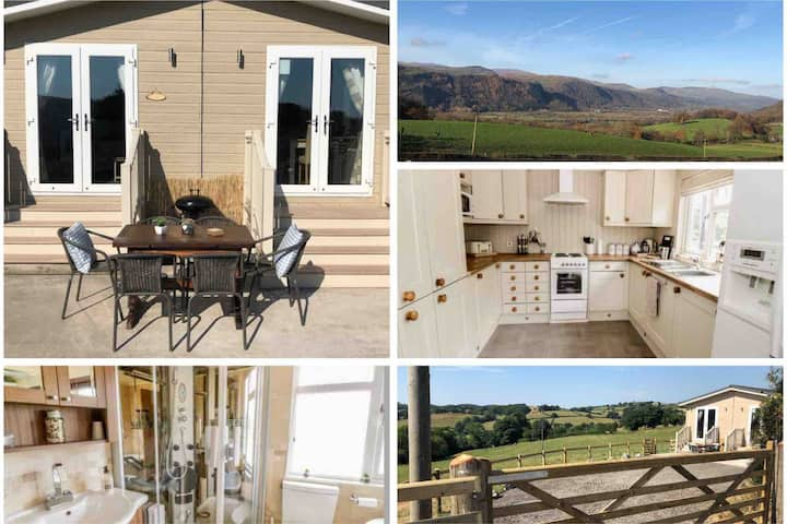 Lodge with Stunning views across the Conwy Valley