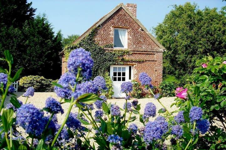 Petit cottage dans le Pays d'Auge - Boissey - Rumah