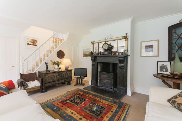 Double room in our relaxed country home - Wadebridge - House