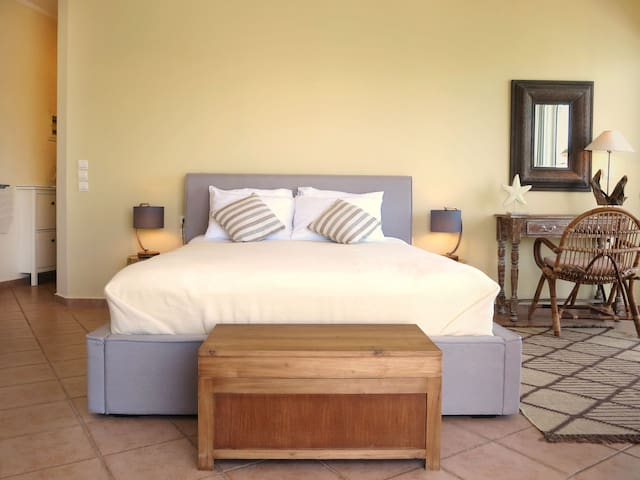 The double bed has been replaced with a superior European Queen sized bed (160cm x 200cm mattress) for superior comfort