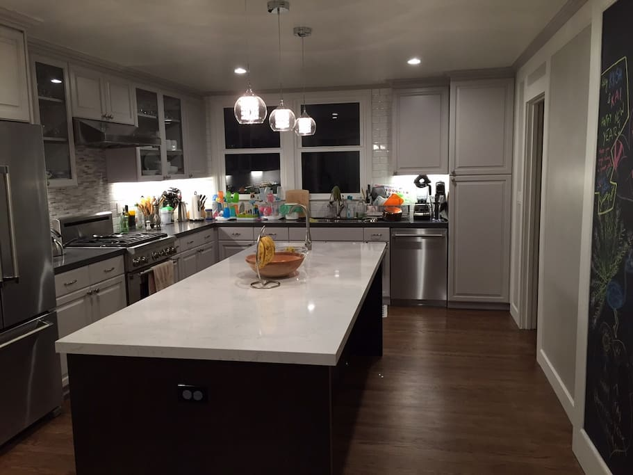 Newly remodeled kitchen w/all new stainless steel appliances