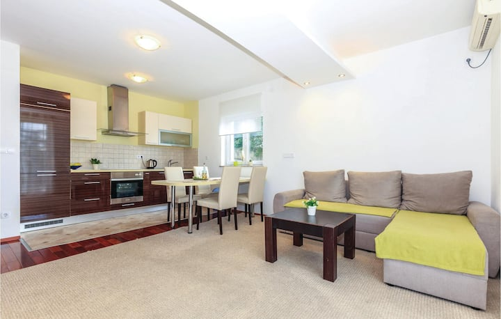 Awesome home in Crikvenica with WiFi and 2 Bedrooms