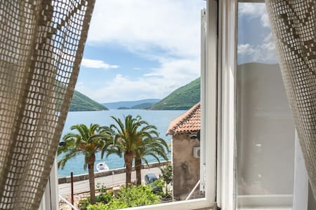 Double room w/ spectacular sea view - Perast - Haus